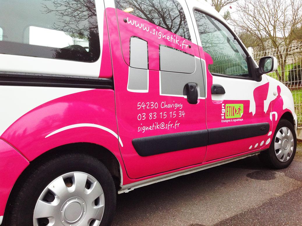 Déco adhésive du véhicule professionnel de sign'ETIK Nancy