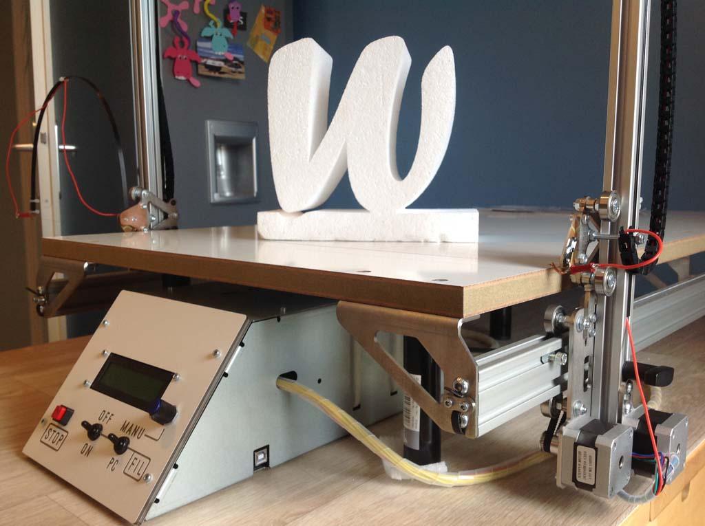 Nouvelle machine de découpe du polystyrène !