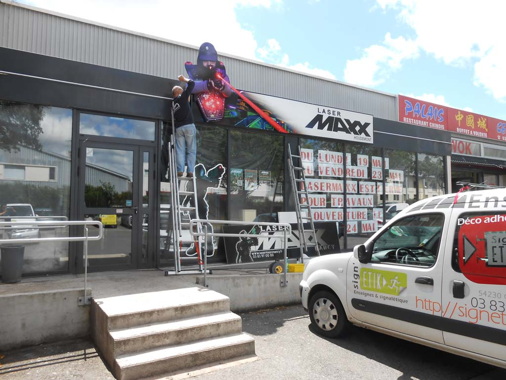 Remplacement faces caisson lumineux Laser Maxx Houdemont 54