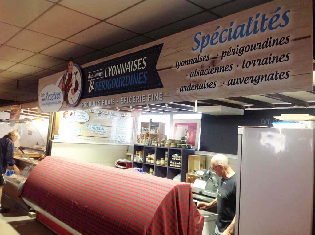 Panneau enseigne pour commerçant installée au Marché d'Haussonville à Nancy près de Villers-les-Nancy