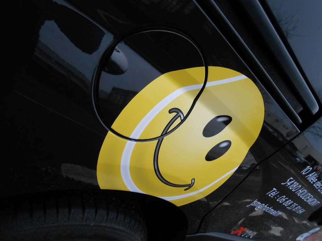 Autocollant vinyle adhésif imprimé pour déco véhicule à Heillecourt !
