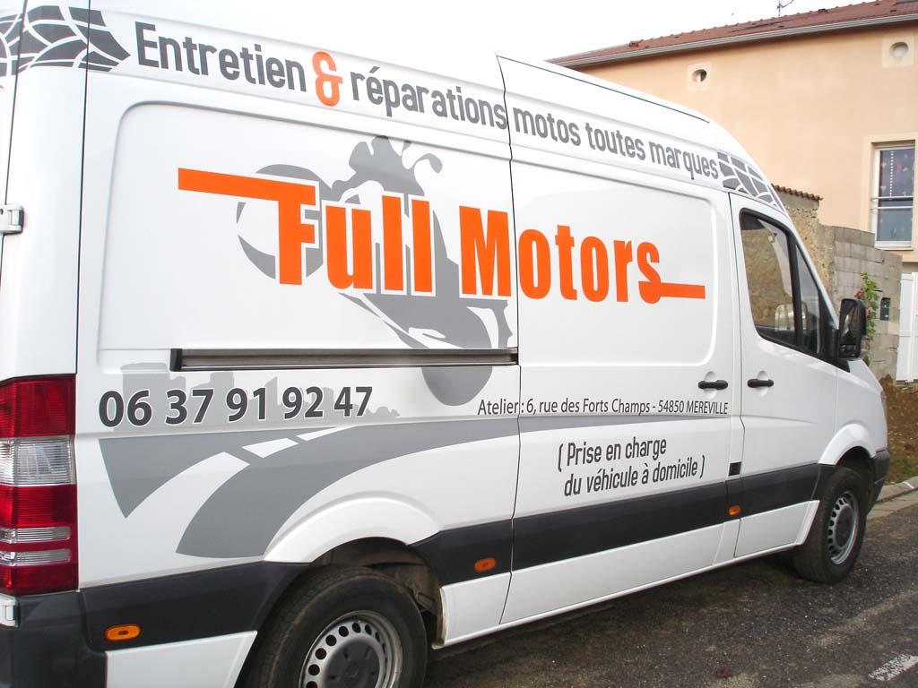 Création de décors et adhésifs publicitaires pour marquage camion professionnel à Méréville près de Nancy !