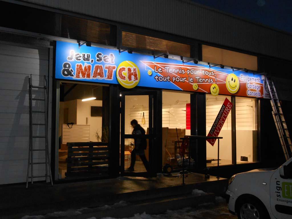 Bandeau enseigne avec éclairage spots leds basse consommation à Nancy en Meurthe et Moselle !