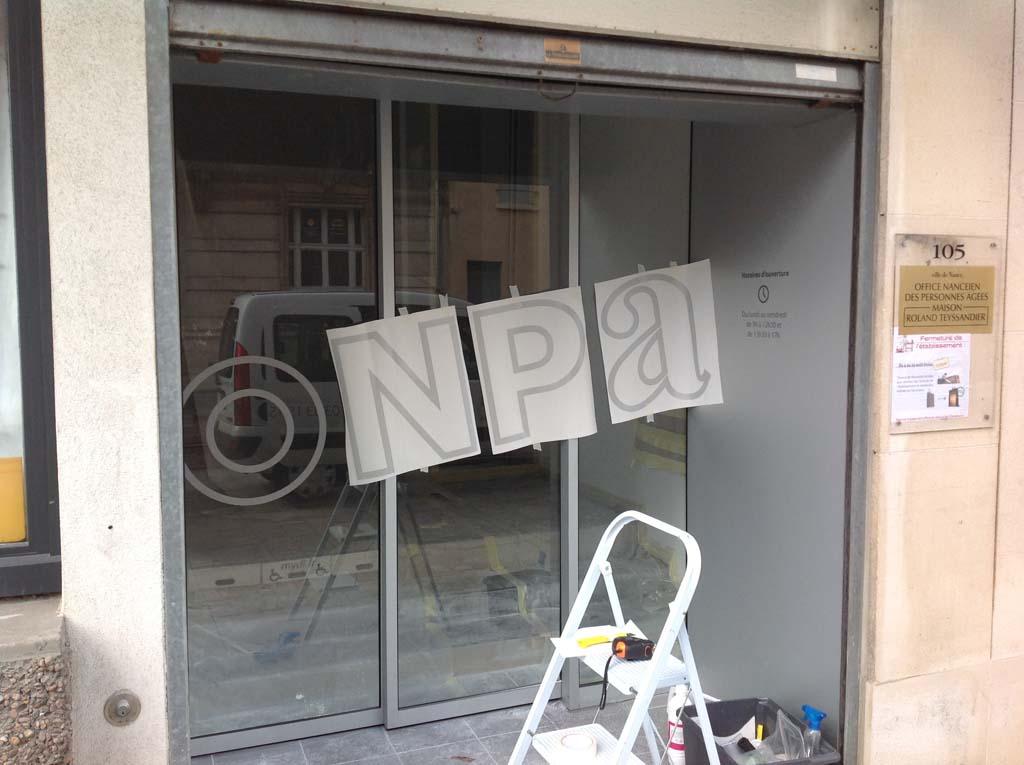 Décors de vigilance en adhésif dépoli translucide sur vitrines à Nancy près de Vandoeuvre 54