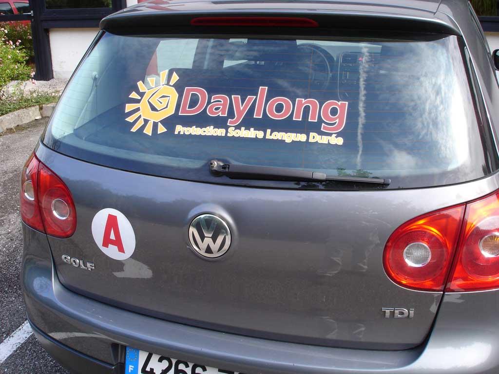 Adhésif publicitaire quadri détouré pour flocage lunette arrière de véhicule commercial à Nancy près de Lunéville
