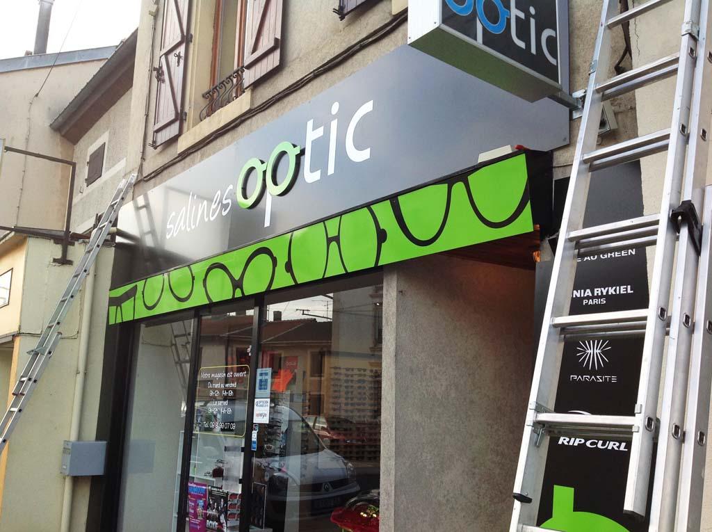 Panneaux en dibond impression quadri avec logo publicitaire à Dombasles !