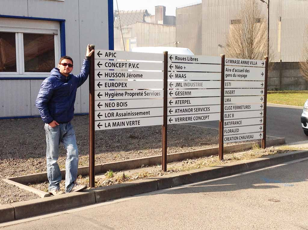 Panneaux rétro réfléchissants pour signalétique d'orientation directionnelle pour La Communauté de Communes de Moselle et Madon en Lorraine 54