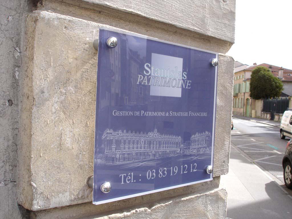Plaque pro pour signalétique directionnelle à Nancy près de Saint Max