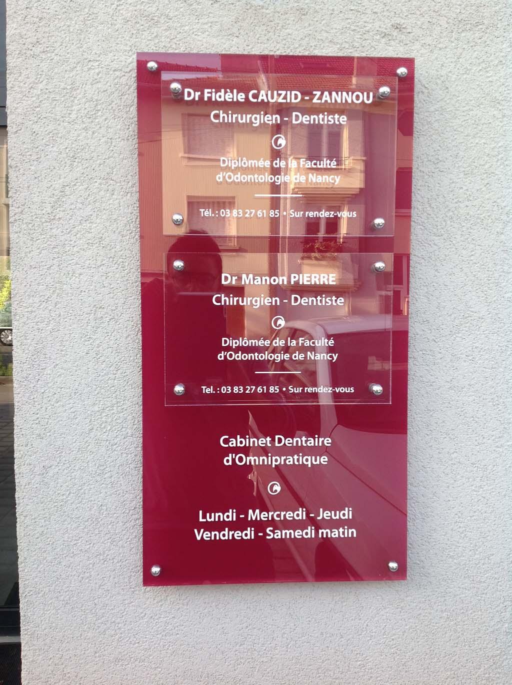 sign'ETIK - Signalétique adhésive pour cabinets dentaires et chirurgiens dentistes à Nancy près de Toul !