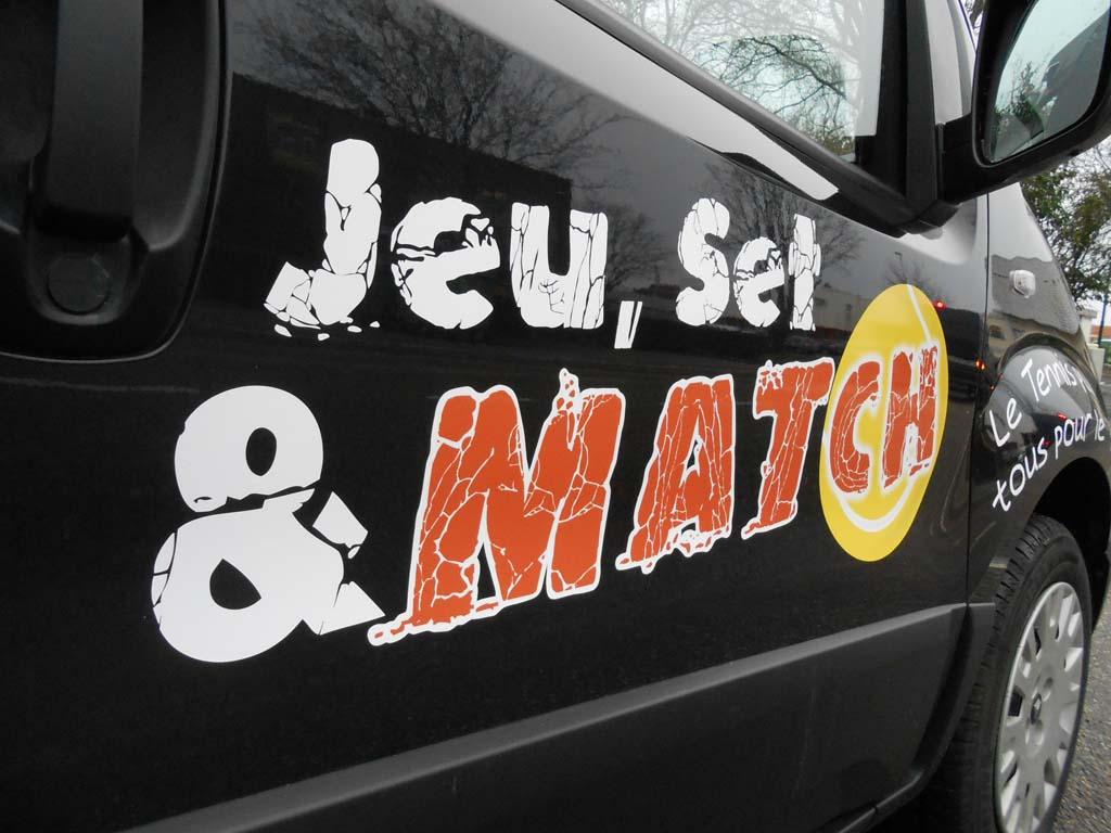 Logo en adhésif imprimé détouré pour déco véhicule à Nancy 54