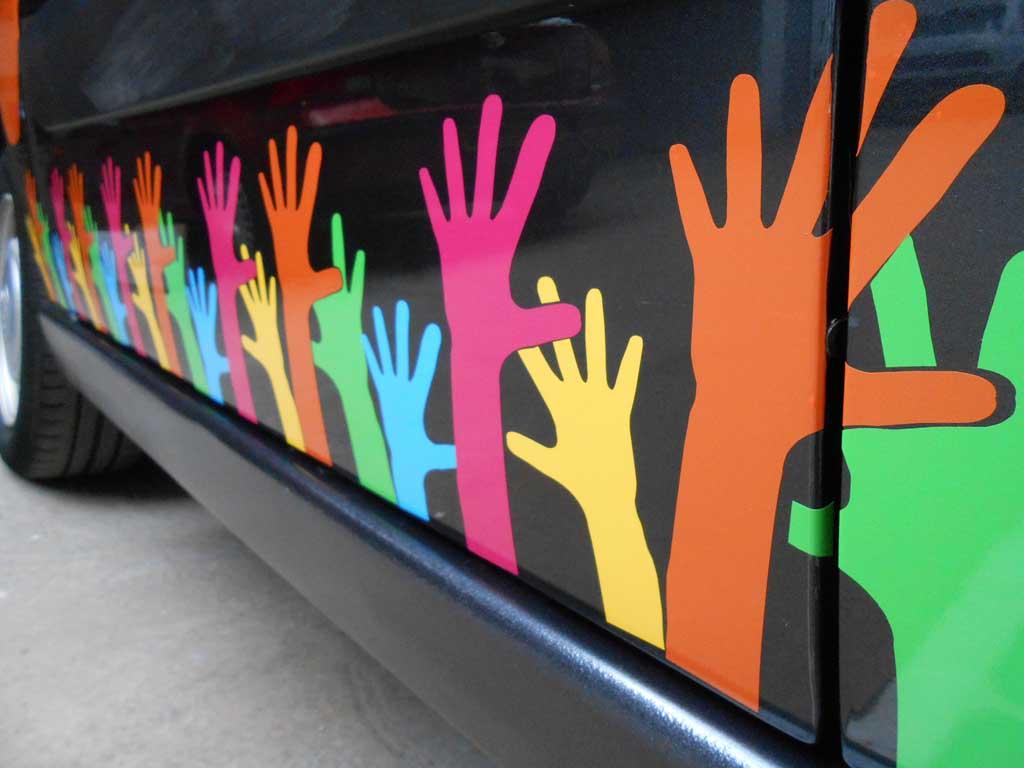 Décoration et flocage adhésif sur auto et camion et véhicules utilitaires à Nancy près de Heillecourt