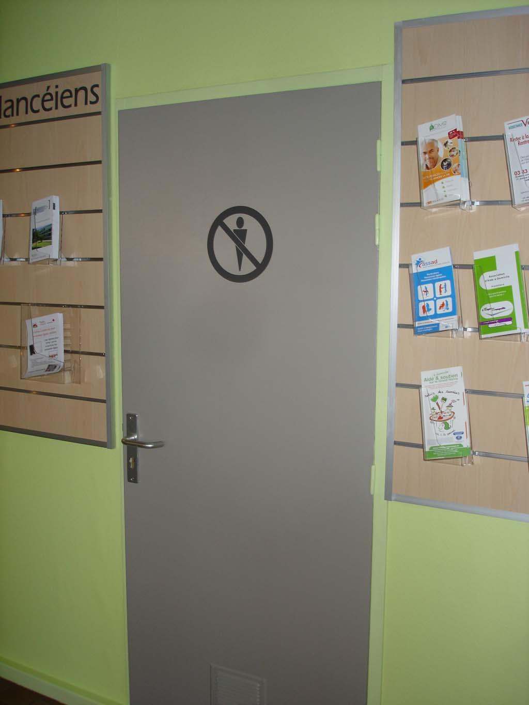 signalétique et pictogramme d'interdiction à coller sur portes pour collectivités et lieux publics à Nancy près de Ludres 54710