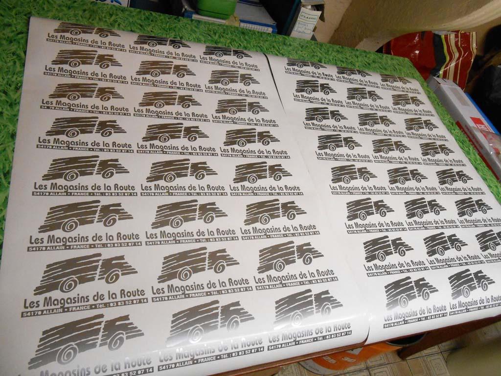 Autocollants métallisés en petite et grande série pour signatures véhicules automobiles à Nancy en Lorraine
