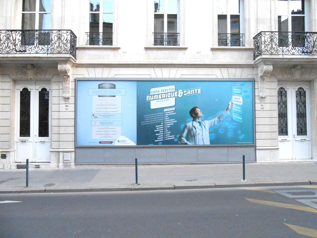 Vitrophanie en vinyle adhésif micro perforé posée par sign'ETIK sur les vitrine de la CCI de Meurthe et Moselle à Nancy